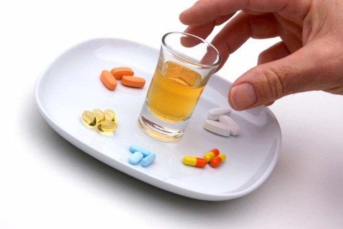 Алкоголь с антибиотиками можно или нет