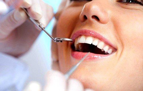 Безоперационная имплантация зубов популярный метод, основанный на прокалывании десны для вживления имплантата