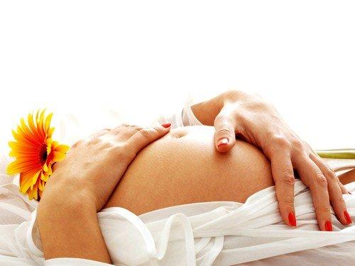Суррогатное материнство в России воспринимается как договор купли- продажи ребенка