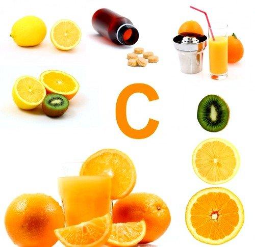 При растяжках нужно обязательно употреблять достаточное количество витамина С