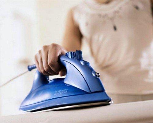 Все белье, а особенно нижнее, после стирки нужно проглаживать утюгом