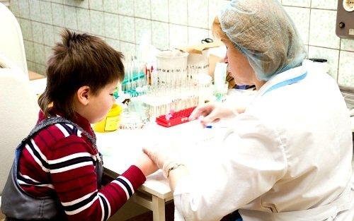 В процессе диагностики больному следует сдать общий анализ крови и анализ мочи