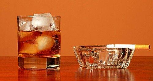 Стимуляторами развития гельминтов является алкоголь, никотин