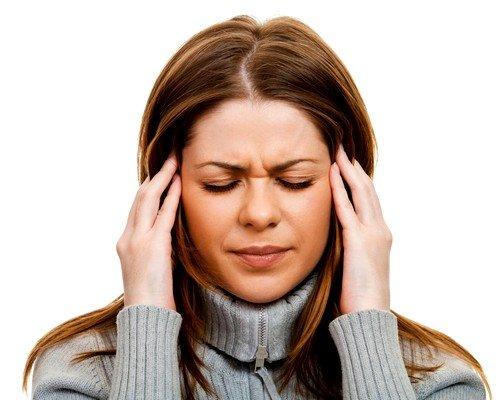 Частые и сильные головные боли, отдающиеся в области висков, глаз
