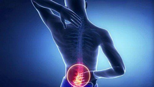 при повреждении нервных окончаний больной может ощущать онемение некоторых частей тела