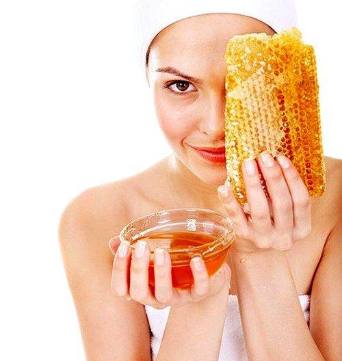 в пчелином корме содержится в несколько раз больше жиров, витаминов, белков и углеводов, чем в каком-либо другом