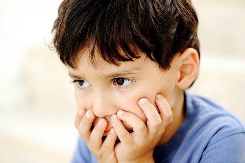 психоэмоциональное напряжение в семье может привести к развитию аутизма