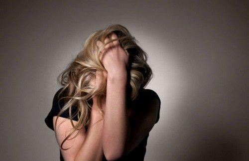 неврозы развиваются при длительных травмирующих ситуациях, не позволяющих человеку адаптироваться в жизни