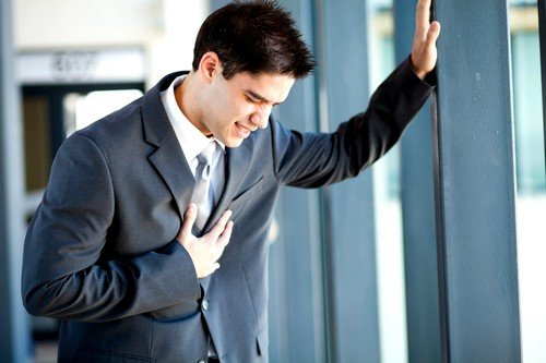 синдром может возникнуть из-за заболеваний сердечно-сосудистой системы