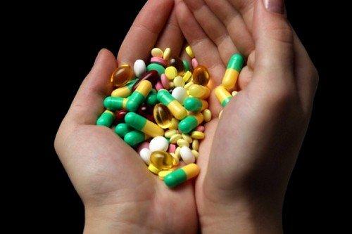 Антибиотики при мастите назначаются в случае, если болезнь протекает остро, и консервативная терапия не оказала должного эффекта
