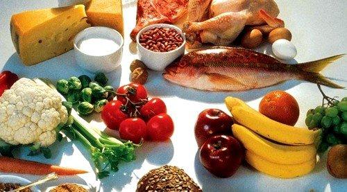 Лучше всего отказаться от жирной и острой пищи, а меню разнообразить морепродуктами, что благотворно влияет на хрящевую ткань