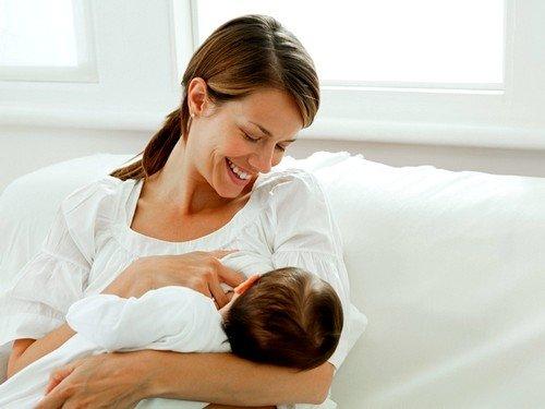 бактерия может попасть в организм малыша через материнское молоко
