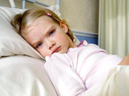 Из-за снижения иммунитета ребенка одолевают острые респираторные и инфекционные заболевания