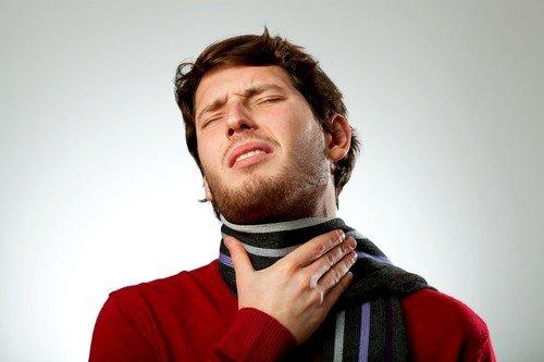 Боль в горле - один из первых симптомов ОРВИ