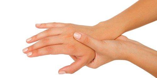 при шейном остеохондрозе может появиться онемение в руках