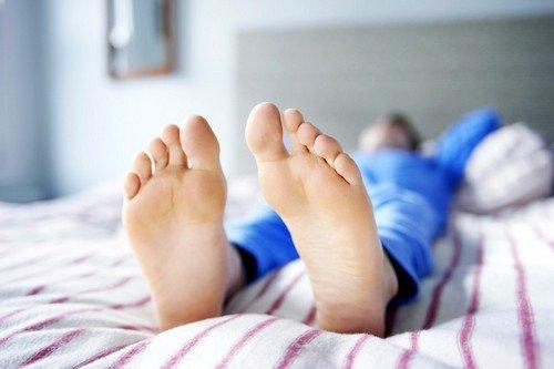 Причины и способы лечения синдрома беспокойных ног фото