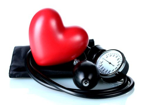 Патология развивается в направлении поражения небольших артерий мышечного типа с тенденцией к сердечной гипертрофией