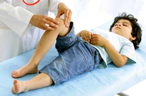 Назначение физиопроцедур в области колена и лечебной гимнастики