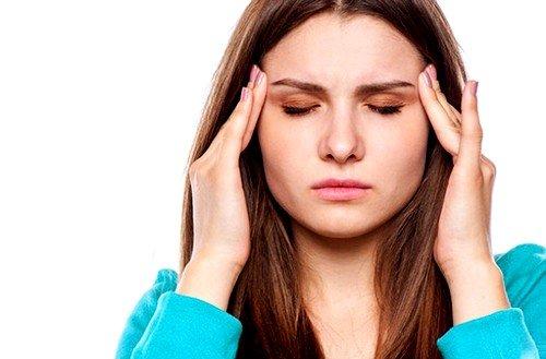 Томография назначается, если пациент жалуется на постоянное головокружение, сильную головную боль, мигрень и иные неприятные ощущения, связанные с головой