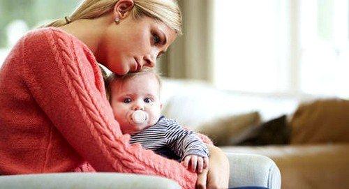 Послеродовая депрессия: признаки и лечение фото