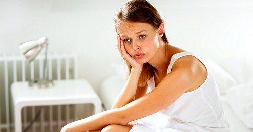 гормональный сбой может быть причиной задержки месячных