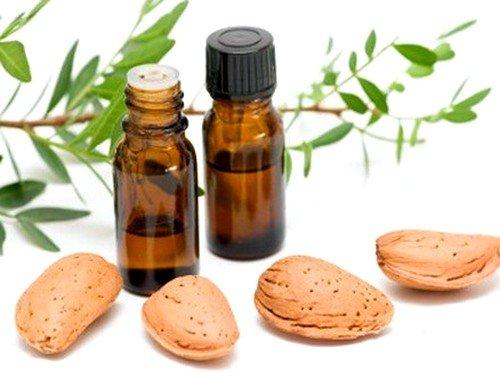 масло эвкалипта втирается в проблемные места по нескольку раз в день до улучшения состояния суставных тканей