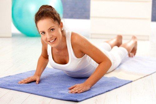 Упражнения нужно начинать с простых, а после переходить к более сложным