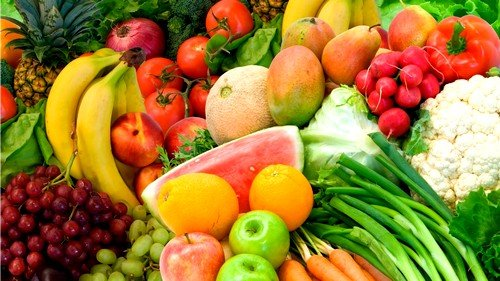 Рацион должен включать свежие овощи и фрукты