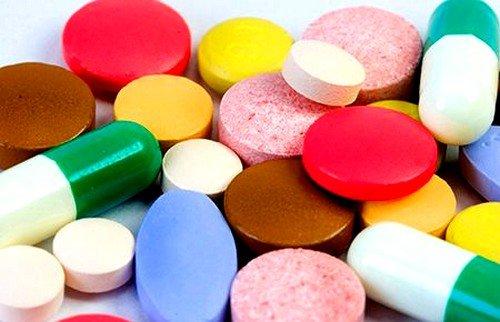 Аллергическая реакция чаще всего возникает после приема пенициллинов, цефалоспоринов или других антибиотиков