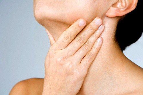 Заболевания лор-органов могут вызывать сухость во рту