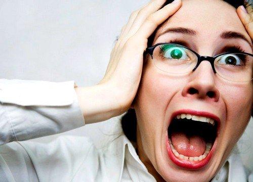 избыточная нагрузка на нервную систему, частые стрессы, высокая умственная деятельность могут быть причиной заболевания