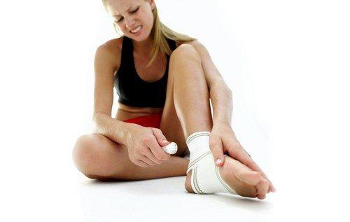 Чрезмерная нагрузка на сустав может быть причиной патологии
