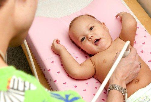 Малышам нельзя есть минимум два часа до процедуры ультразвукового обследования