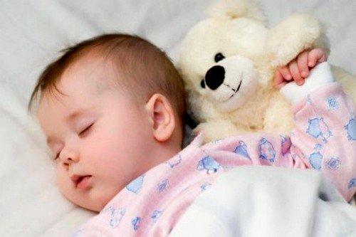наиболее комфортным и естественным типом кормления для ребенка будет свободное
