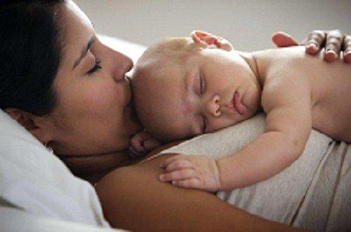 Как отучить ребенка от ночного кормления фото