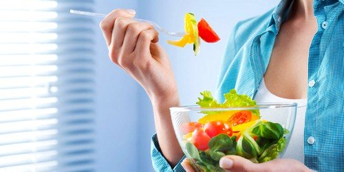 Вечером накануне проведения обследования необходимо воздержаться от острых и жирных блюд