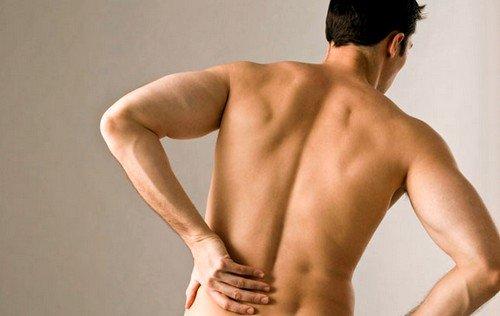 Частые стрессовые ситуации или работа, связанная с ними и чрезмерной физической нагрузкой может привести к болям в спине