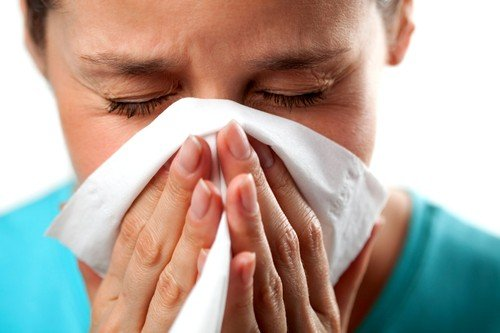 У некоторых представительниц прекрасного пола наблюдаются симптомы, схожие с простудой