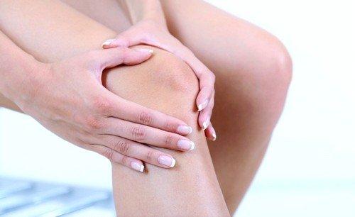 Основной мишенью данной формы заболевания становится опорно-двигательный аппарат, мышцы и суставы
