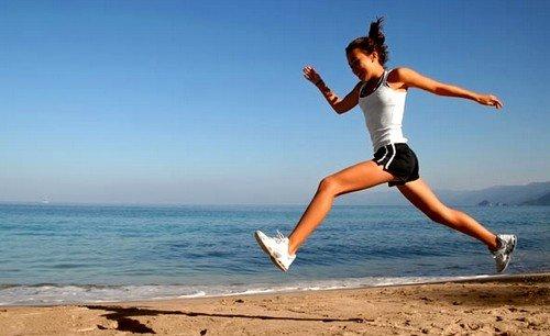 Умеренные физические нагрузки повышают содержание серотонина в крови, тем самым улучшая общее состояние нервной системы