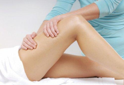 Перед занятием необходимо сделать массаж тазобедренного сустава