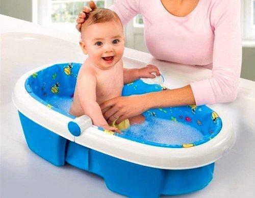 Начинать купание необходимо с температуры воды в 37 градусов