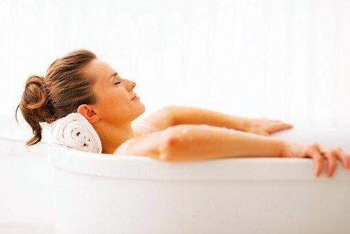 Смешанные скипидарные ванны, отзывы о которых наиболее многочисленны, рекомендуются к применению людям с неустойчивым артериальным давлением