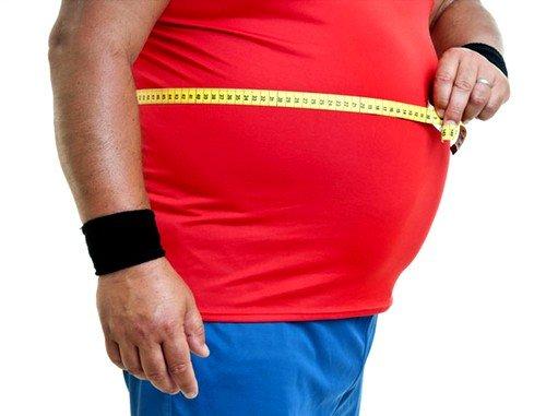 У людей с чрезмерным весом нагрузка на поясницу чрезмерна