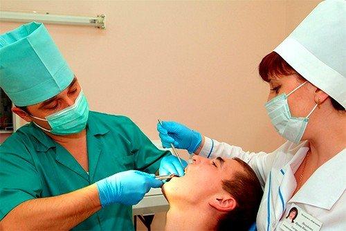 При удалении зуба мудрости на нижней челюсти, последствия могут быть более серьезными