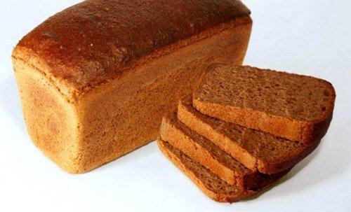 полезно на 2-3 неделе первого месяца кормления включить в рацион чёрный хлеб и орехи