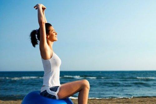 На этот период рекомендовано заниматься упражнениями на растяжку