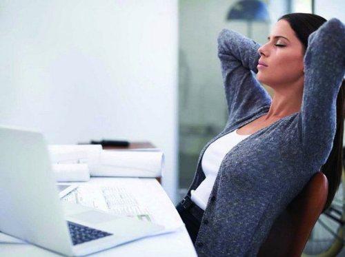 Одна из причин остеохондроза - малоподвижная или сидячая работа