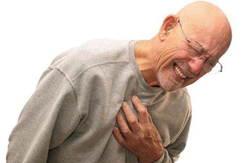 Симптомы: человек ощущает нестерпимую боль в месте перелома
