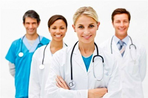 врачи рекомендуют витамины женщинам, которые замечают ухудшение состояния волос, зубов и ногтей, вызванное уменьшением количества кальция